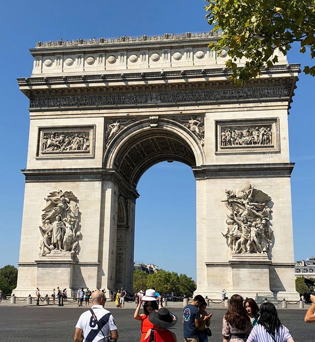 Another famous monument in Paris the Arc de Triomphe, is set to be wrapped by Christo in 2020! Read about it https://news.artnet.com/exhibitions/christo-wrap-pariss-arc-de-triomphe-next-spring-1507513?utm_content=bufferfa0f7&utm_medium=social&utm_source=facebook.com&utm_campaign=news&fbclid=IwAR3EUfvRxQN5d9HJSkzizR0ZqMNe8S692SfM_b3BzKFxEYvk3osFyNfoMXw  https://www.twoartiststravel.com/paris-france https://www.twoartiststravel.com @susanstoverart @amandajolley #twoartiststravel #artandtravel #artandculture #travelwithus #artisttravel #inspiredtravels  #adventureawaits #localartisans  #culturalimmersion #artists #paris #france #artistresidency #architecture #museums #workingartist #arcdetriomphe