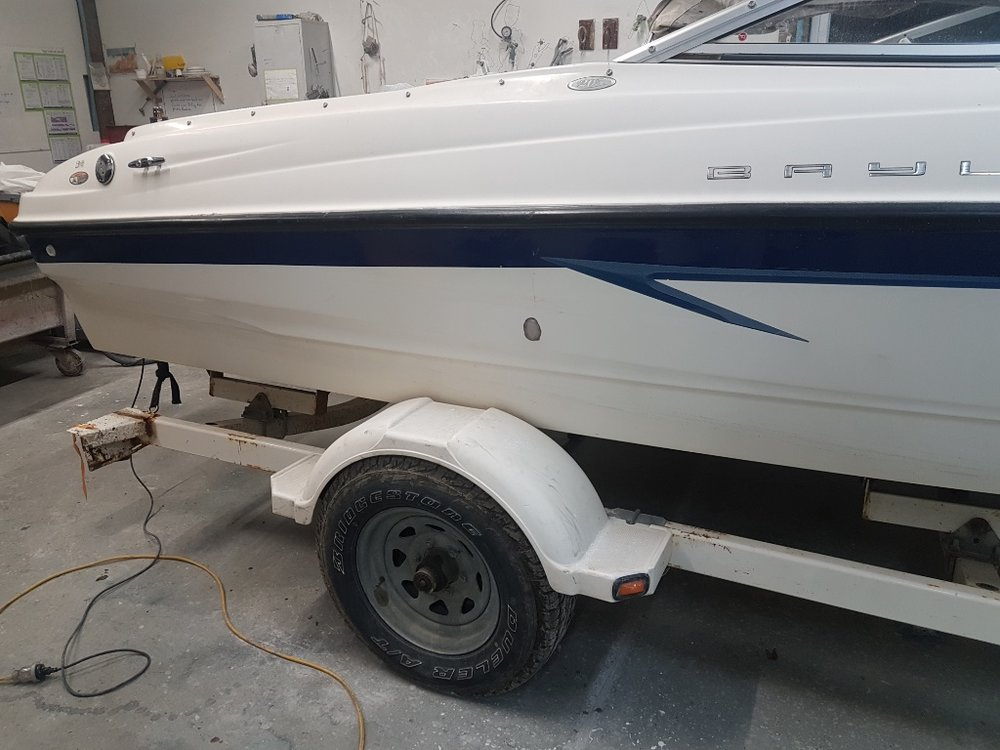 Bayliner Hull Side Hole 07.jpg