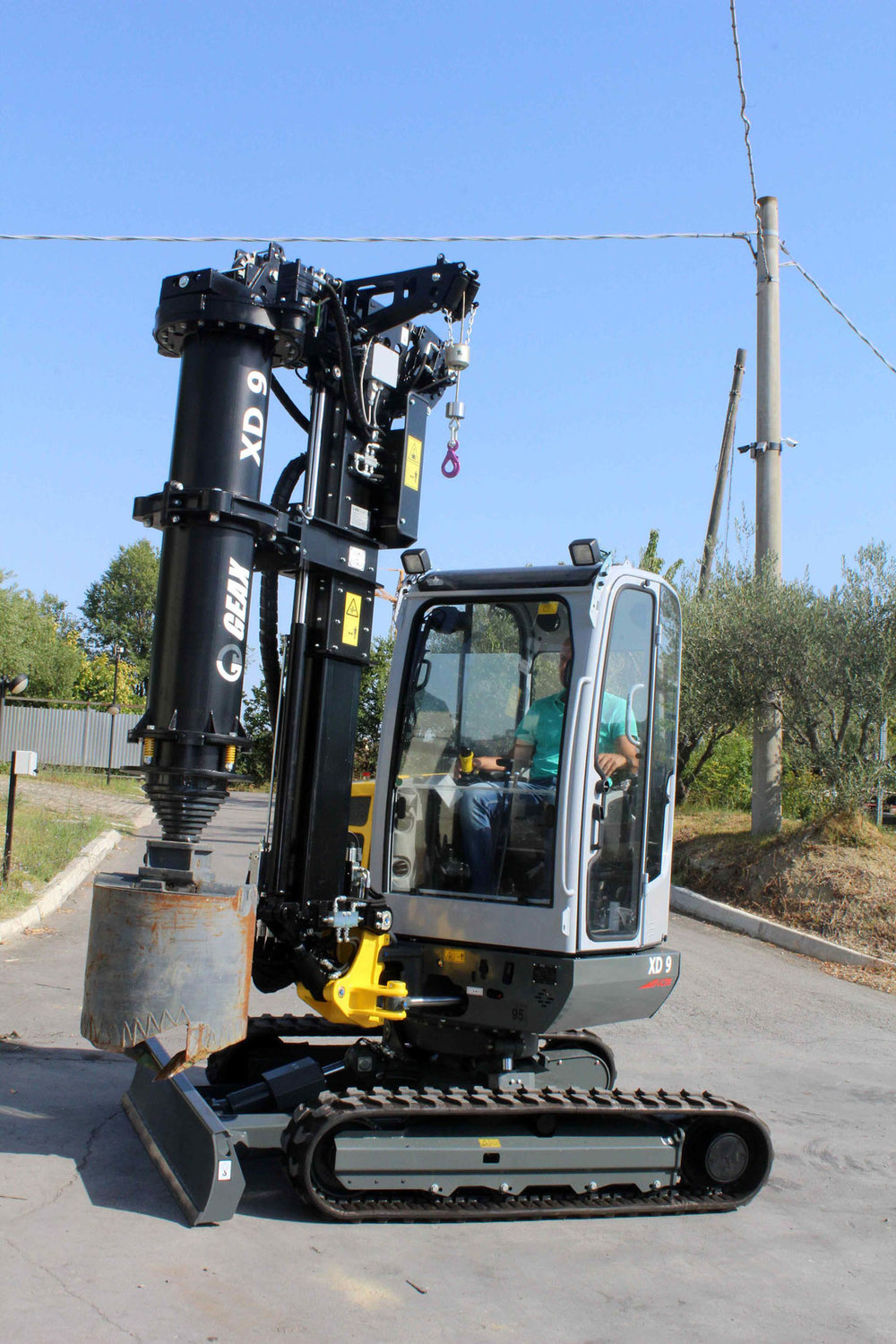 GEAX XD9  Limited Access Piling Rig   Limited Access Piling Rig Mounted on Wacker Neuson 3503  GEAX ~ 2016 Hours: 70