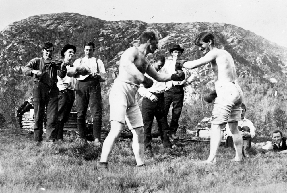 Boxing match in Rena. Photo: Gerhard Gundersen / Musea i Nord-Østerdalen