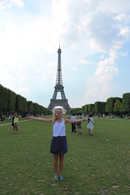 Boglarka Szabo Tour Eiffel.JPG