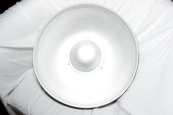 Beauty-Dish-Speedlight_1.jpg