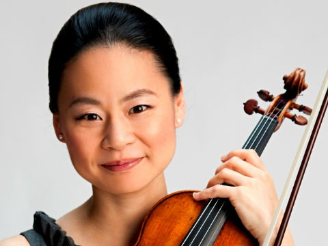 The Japanese violinist Midori, one of the most important international figures of our time, made a historic concert with Pablo Mielgo and the Majorcan violinist Francisco Garcia Fullana. Within the OSIB season, the two violinists performed Bach's violin concertos. The program also included the symphony n.3 by Robert Schumann. -