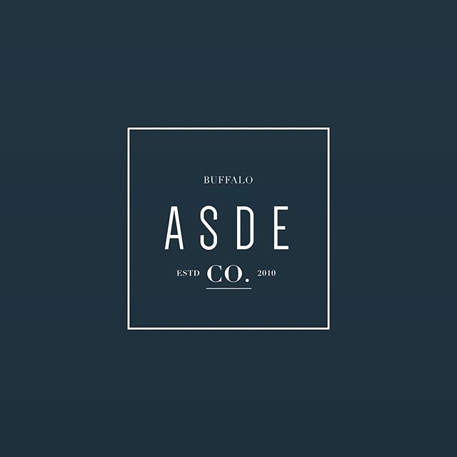 Clean, minimal, and balanced. The crispy air and moody light is the jam for this logo. It's Monday! I haven't had a blue Monday since I went full time as an entrepreneur in 2014 ❤️ why do you love Monday's?