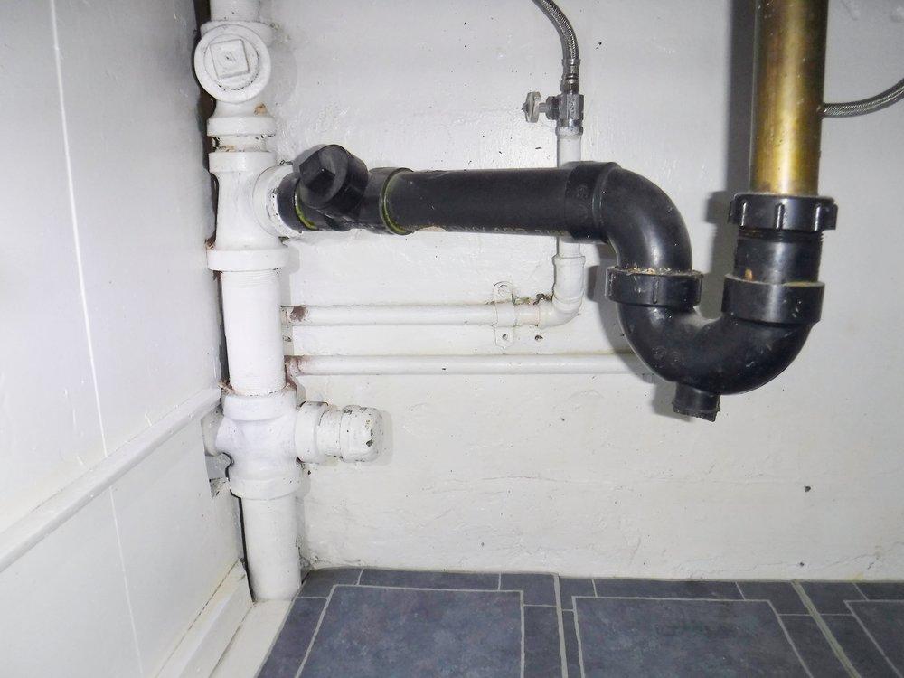 P-trap to cast iron drain