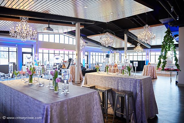 Congrats, Donald & Ashli! Special thanks to @critseyrowephotography, @partyreflections, @cluxflorals and @kellypantano92 for coming together to help us create a spectacular wedding reception for one of our own!