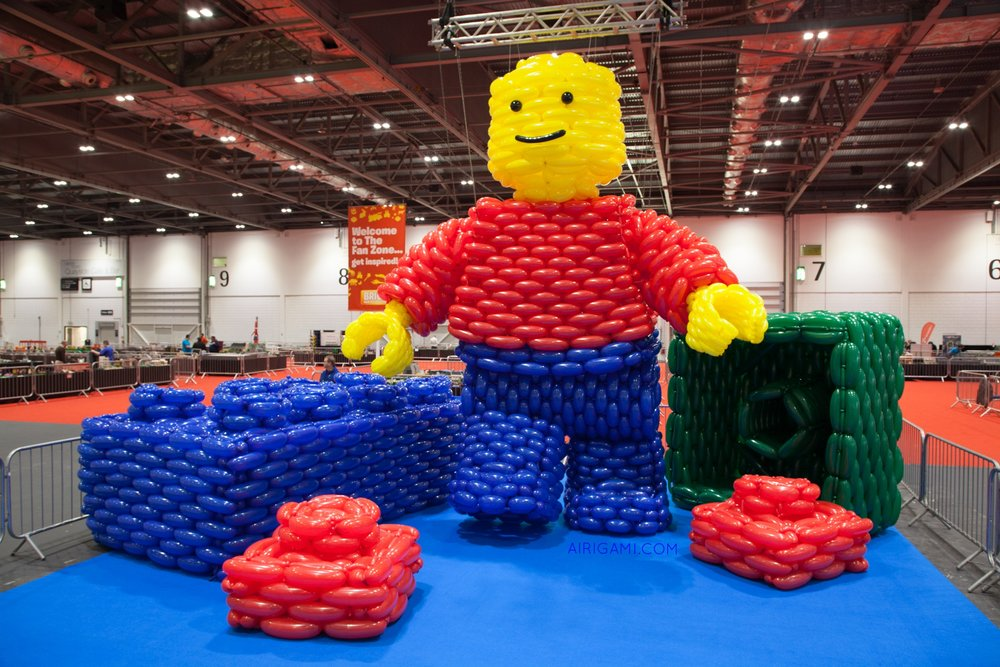 "The Guinness World Record ""Largest LEGO Minifigure Made out of Balloons"""