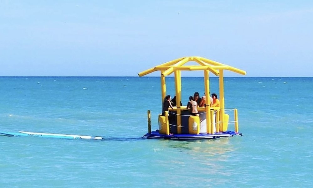 MASHOMACK ISLAND - (holds up to 10 people, when anchored)1 DAY$7502 DAYS$1,300(incl. delivery & pick-up, set-up & break-down)