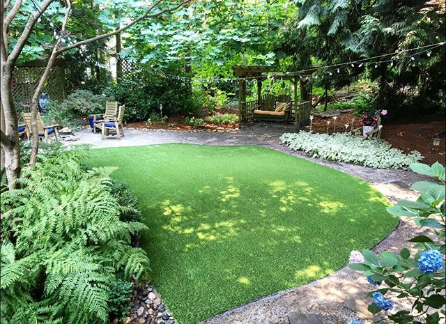 Today's got us feeling like summer is right around the corner, especially looking at this backyard! Want a perfect green lawn for those upcoming BBQs? We're here to help! . . Follow the link in our bio to request a quote today. . . . . . . . . . #artificialgrass #yvr #perfectturf #artificiallawn #artificialgrass #perfectlawn #syntheticgrass #greengrassvancouver #beautifullawnvancouver #petturfvancouver #artificialgrassvancouver #artificialturfvancouver #greengrass #beutifullawns #greatlawnyvr #lawnenvy