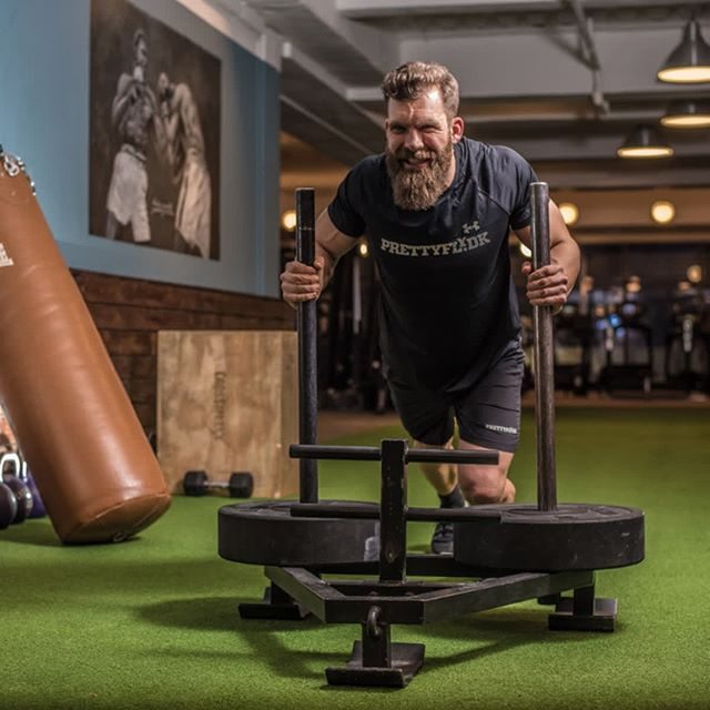 Get your gym into gear this new year! ˙ Perfect Turf sports turf is great for anything from athletic training to physiotherapy to Crossfit and comes with the best indoor turf installation in the industry. ˙ Follow the link in our bio to learn more and request a free quote.