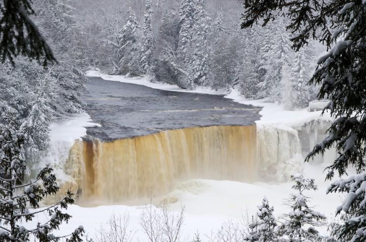 TahqFalls-winter4-2-23-13-720x476[1].jpg