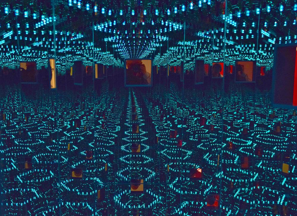 Yayoi-Kusama-lights-infinity