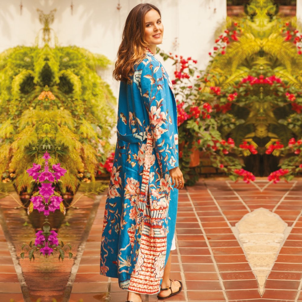 GIOVANNA CAMPAGNA - Mar y Rosas Kimono  #creativeconsultant #creoconsulting #almagirl #girlboss  @ her country house, in Cali Colombia