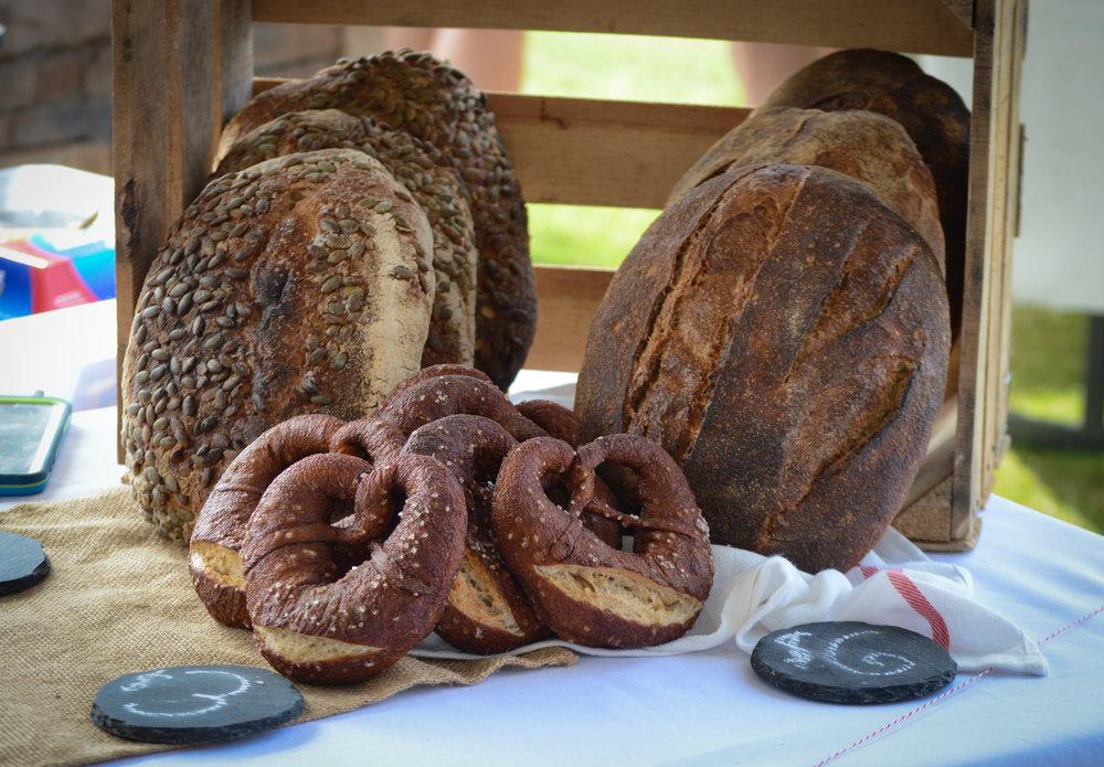 farmers_market_bread.jpg