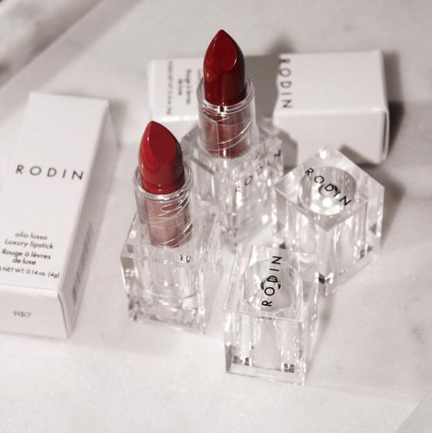 "SHOP Siren Apothecary in store or online - Luxury Lipstick by @rodinoliolusso.  The nourishing jasmine and neroli oils make this lipstick buildable.  Wear as a blotted stain or a bold pop of color and anywhere in between.  You can even mix two colors. ⁣ ⁣ ""I have these in two colors, and it's the only two lipsticks I own!  I like to dab it on top of my @olioeosso lip balm, concentrating it at the center of my lips."" - Siren Team Member⁣ •⁣ •⁣ •⁣ •⁣ •⁣ #cleanbeauty #selfcare #wellness #beauty #greenbeauty #nontoxicbeauty #detoxbeauty #ethicalbeauty⁣ #beautyessentials #ecoluxe #greenbeautyproducts #naturalingredients⁣ #toxinfree #slowbeauty⁣ #naturallysourced #sustainablychic #results #efficacy⁣ #skinhealth #foreveryoung ⁣ #fountainofyouth #naturalbeauty #indiebeauty⁣  #glowgirl #multitasking⁣ #apothecary #selfcare #certifiedsustainable⁣ #redefinebeauty #naturalista"