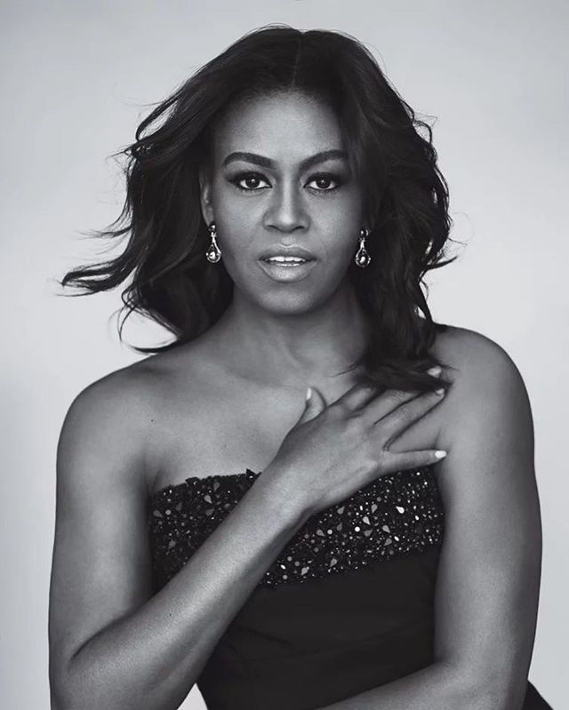 Happy Birthday to our forever First Lady, @michelleobama 🎂 Who has been reading BECOMING!? 🙋🏽♀️🙋🏿♀️🙋🏾♀️ #michelleobama #foreverfirstlady #firstlady #becoming #shewhodares #womenwhodare #femaleentrepreneurs #blackgirlsrock