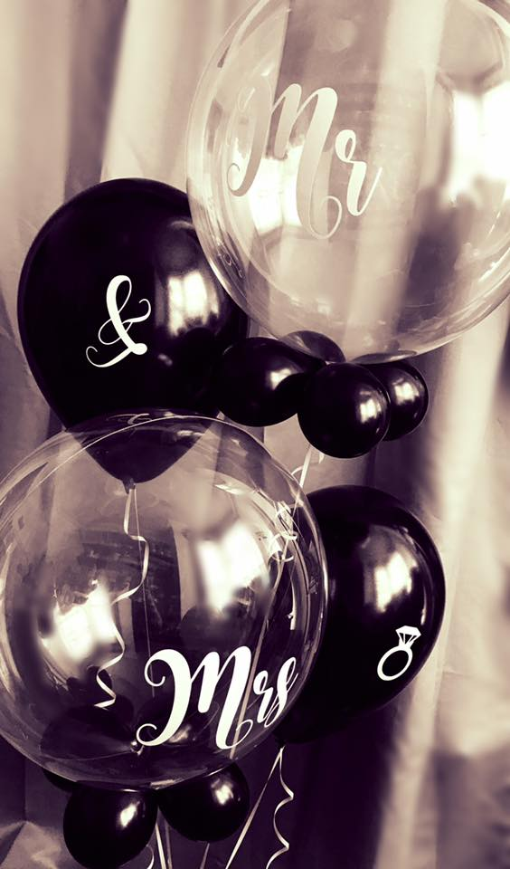 mr and mrs personalised bubbles.jpg
