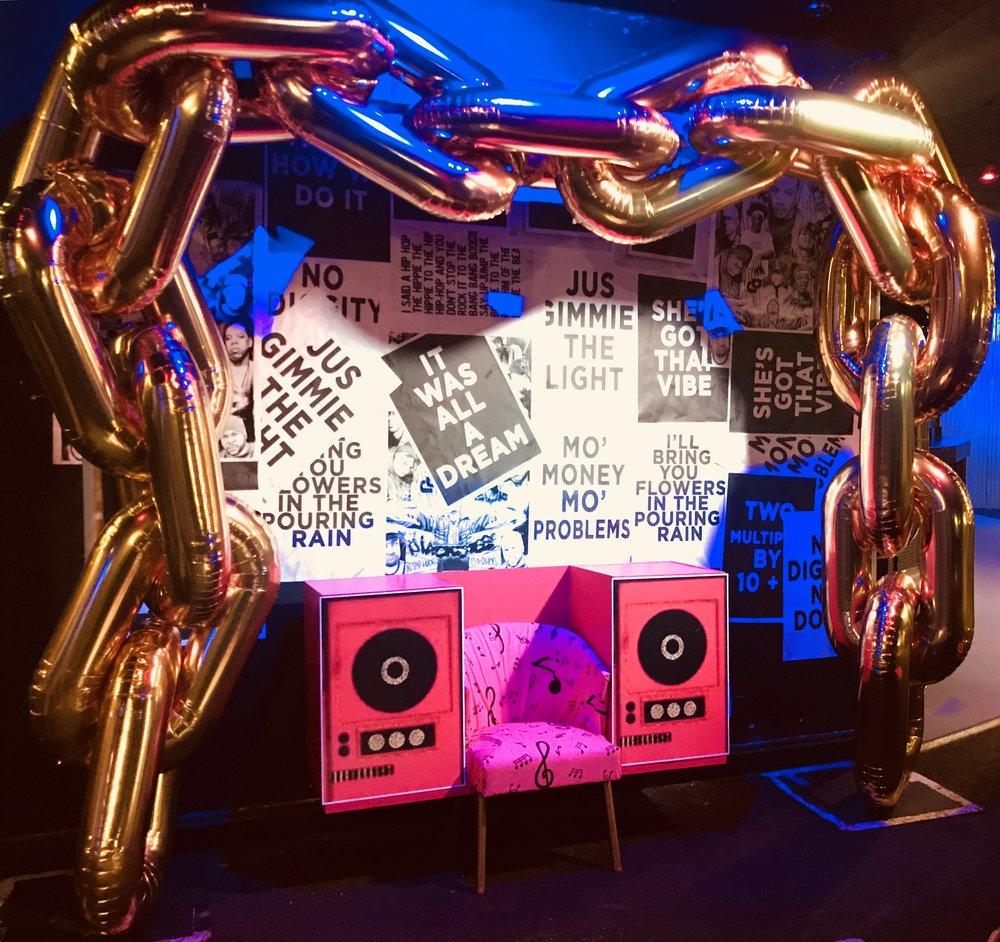 Hip Hop Throne Balloon Arch