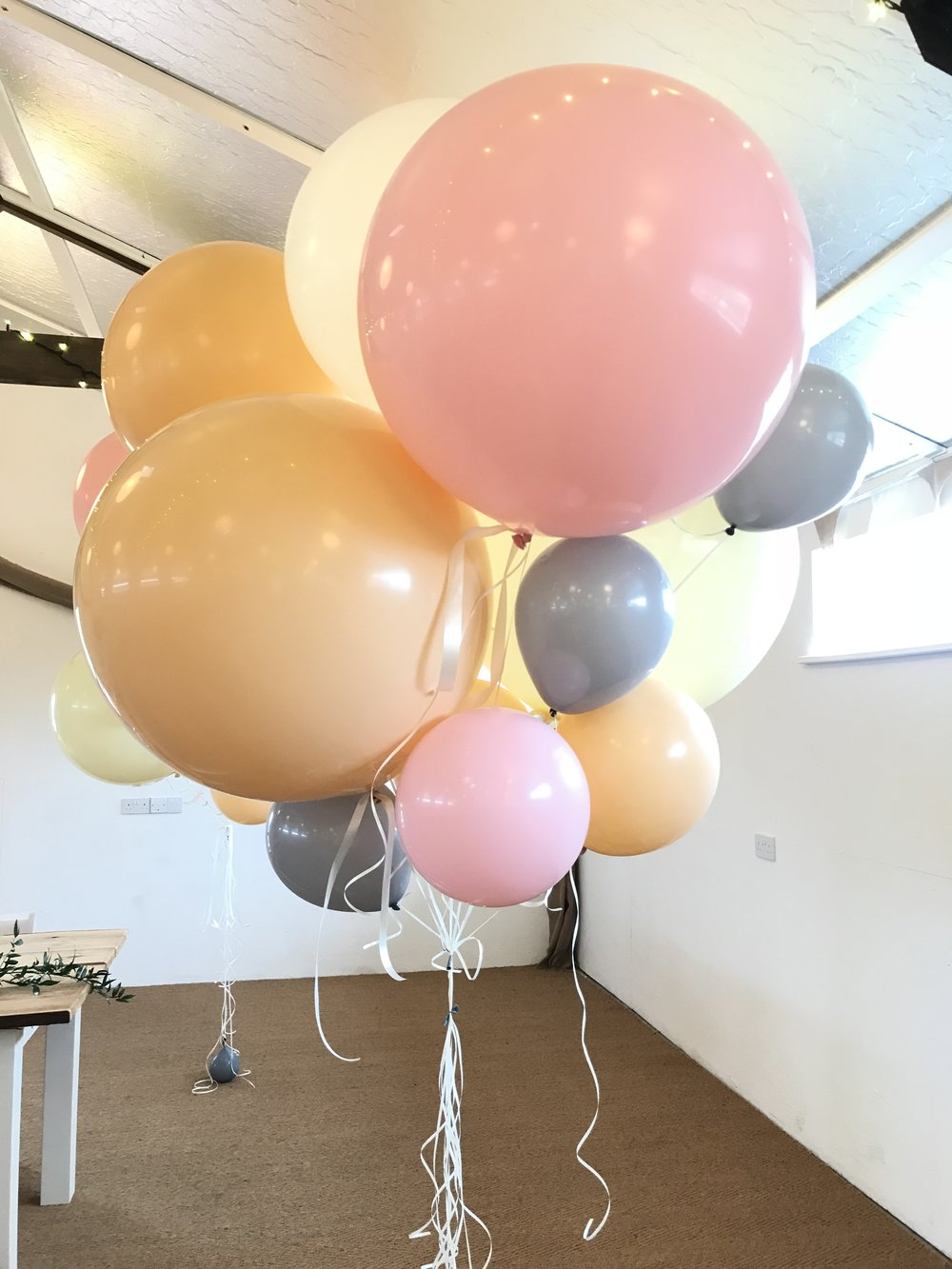 Giant Balloon Cluster