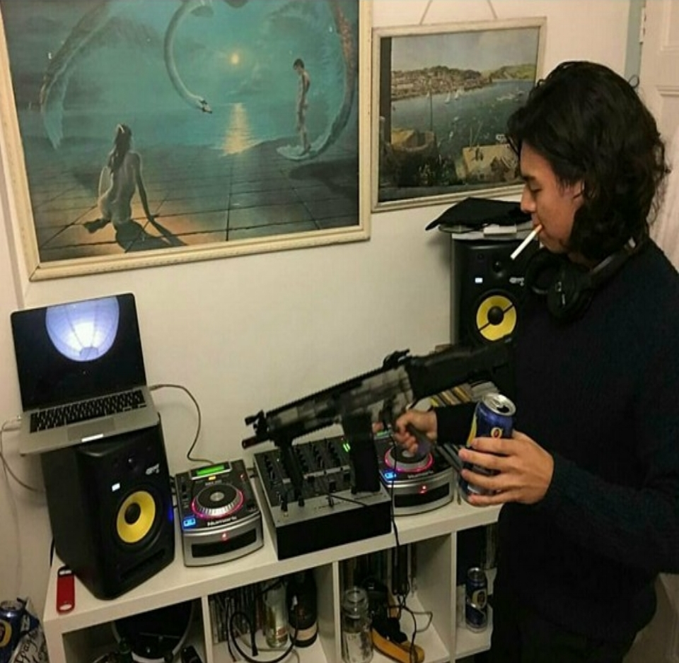 Stullett Stullett's Payday Podcast Monday, 20:00-22:00 (Monthly)   Every last Monday of the month, Stullett (like mullet, beats in the front, melodies at the back) provides a pleasant reminder that we're all getting paid soon with two hours of pure selection from the man himself.