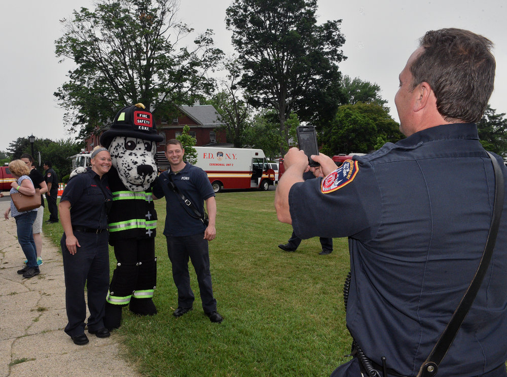 20170617-fdny-bhs-fired-up-for-a-cure-016.JPG