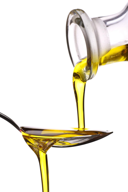 dreamstime_olive-oil-drizzle.jpg