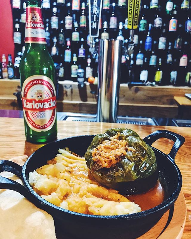 Our delicious stuffed pepper! Perfectly paired with a Karlovacko. #bosnaexpress #guinessbeer #guiness #bosna #balkan #beer #craftbeer #fried #mushrooms #friedshrooms #feta #garlic #eatgr #grandrapids #grandrapidsmichigan #grandrapidsmi #michigan #westmichigan #foodporn #foodporn #food #foodie #restaurant #foodaddict #foodaddict #gyros #gyro #donerkebab #doner #döner #stuffedpeppers