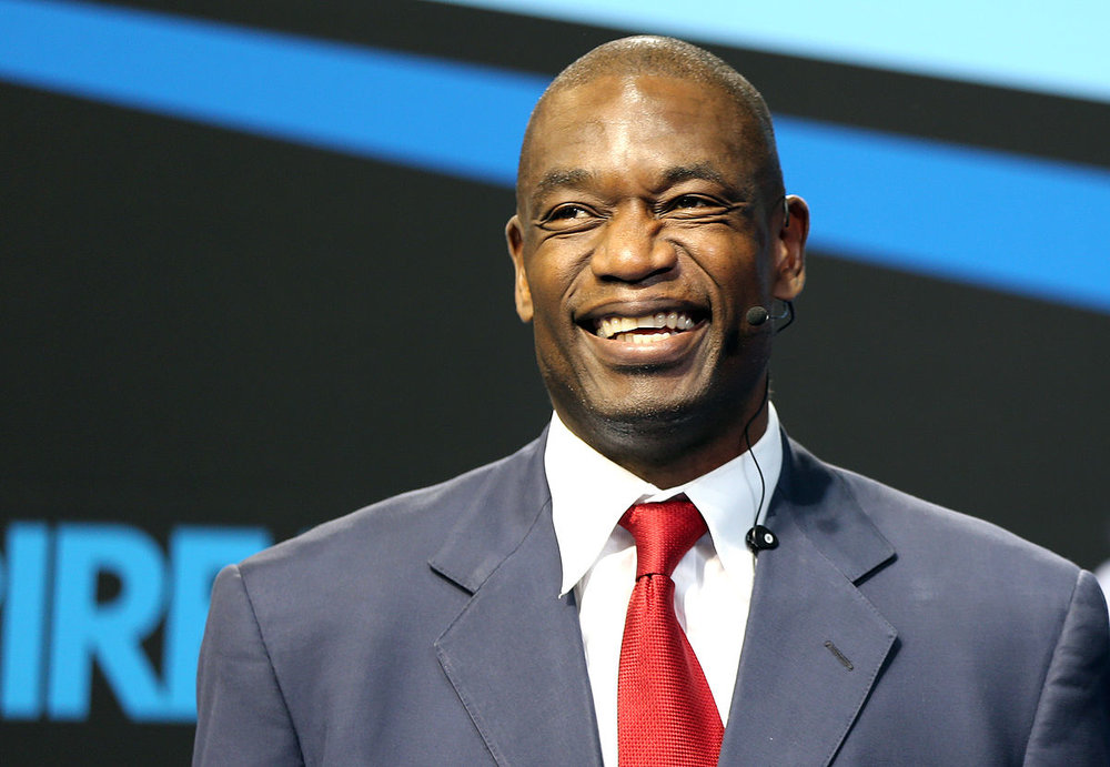 1200px-Dikembe_Mutombo_at_the_Aspire4Sport_Congress_in_Doha..jpg