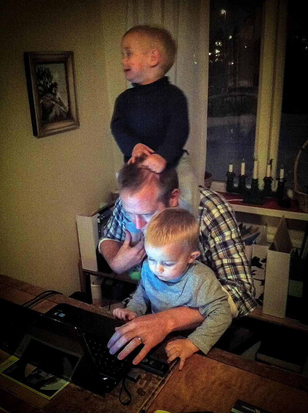 The author multi-tasking with his multiple children.