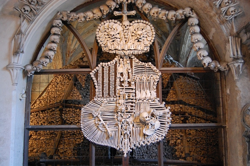 The Coat of Arms in the Sedlec Ossuary.