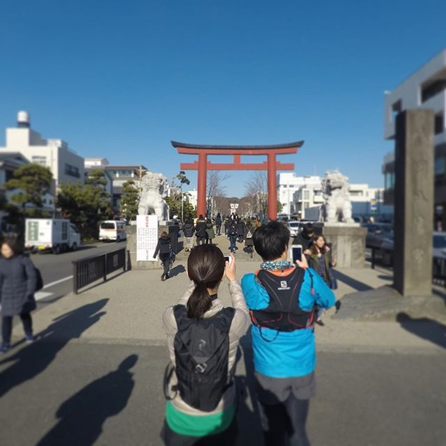 身軽に鎌倉を歩けたら、ちょっと遠くても気持ちよく歩いて行ける。⠀ ⠀ 沢山歩いた心地よい疲労感と達成感を、2人で共有できる休日って良いですね。⠀ ⠀ 春からは海のプログラムも再開します。⠀ お楽しみに。⠀ ⠀ ⠀ #sugataaoyama⠀ #sugatakamakura⠀ #sugataretreats⠀ #美しさはsugataに⠀ #kamakura⠀ #sea⠀ #beach⠀ #visitkamakura⠀ #asoview⠀ #airbnb⠀ #trip⠀ #surfski⠀ #ココロ⠀ #カラダ⠀ #ショクジ⠀ #鎌倉で⠀ #リトリート⠀ #大人の休日⠀ #ヨガ⠀ #ピラティス⠀ #ハイキング⠀ #サーフスキー⠀ #非日常⠀ #リフレッシュ⠀ #週末鎌倉⠀ #休日鎌倉⠀
