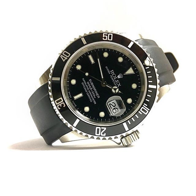 - Everest has evolved the idea of a Rolex replacement rubber strap over time and now we use Swiss vulcanized Rubber that is durable, resistant to dirt & dust, luxuriously finished, and incredibly comfortable to wear.