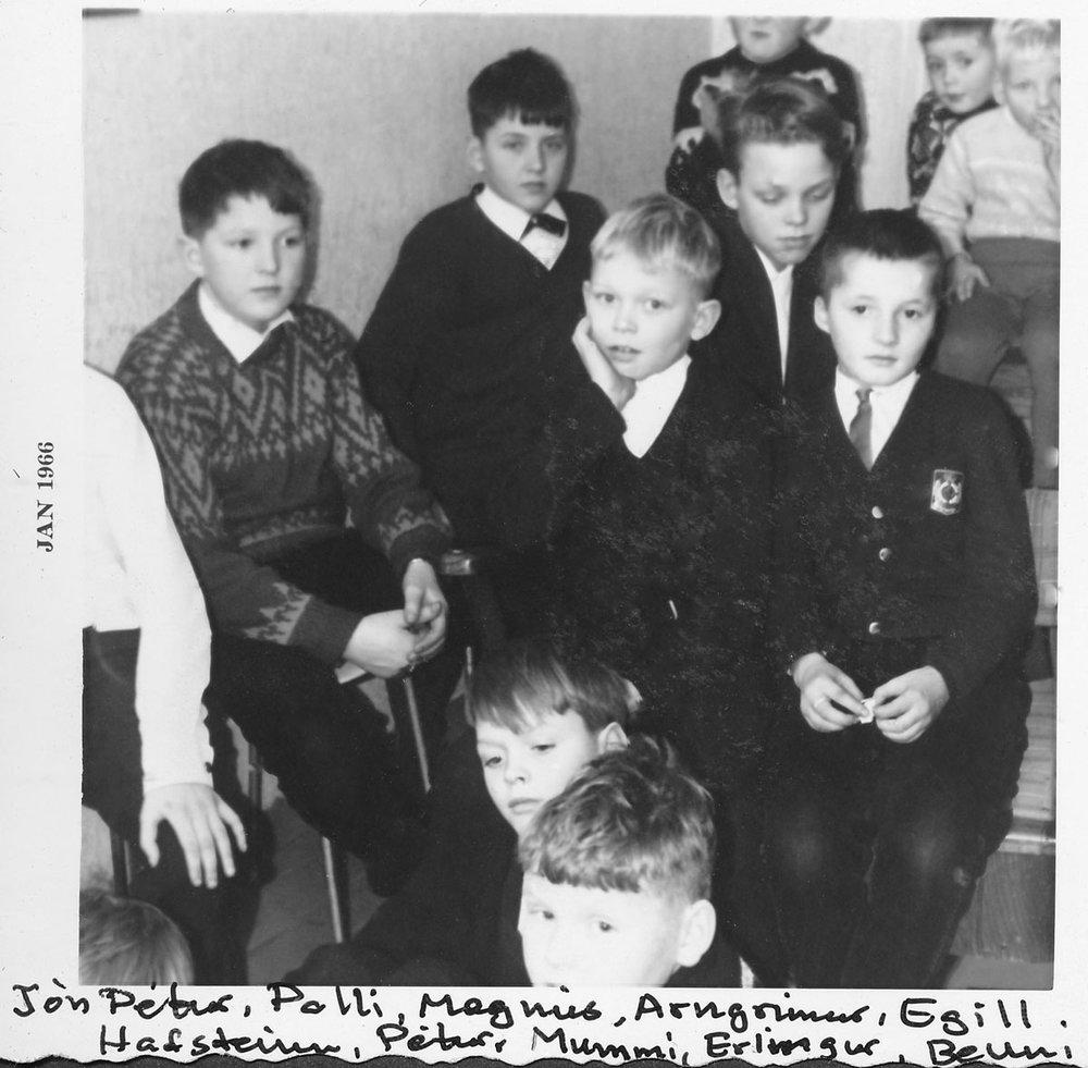 Aftast Magnús, Arngrímur og Egill. Miðröð: Páll, Pétur. Sitjandi: Jón Pétur, Hafsteinn, Guðmundur Daníel. Alveg fremst: Erlingur og Benedikt. (Mynd: IB)