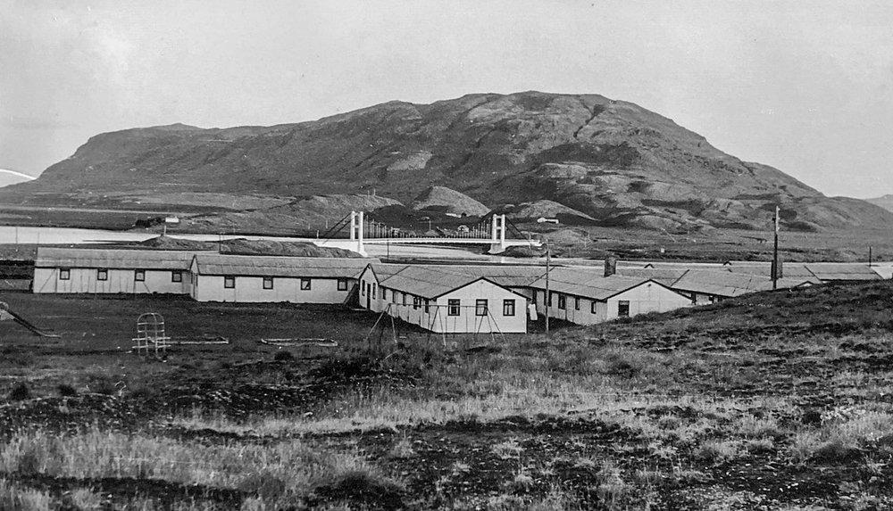 """Barnaheimilið í Laugarási, """"Krossinn"""" 1960. Mynd frá Hallfríði Konráðsdóttur, líklega tekin af Matthíasi Frímannssyni."""