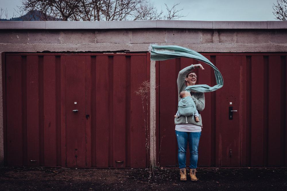 DidyKlick - Mei Tai/Wrap Conversion Tragehilfe aus Tragetuchstoff mit auffächerbaren Trägern und gepolstertem Hüftgurt mit Sicherheitsschnalle.Geeignet ab Geburt.