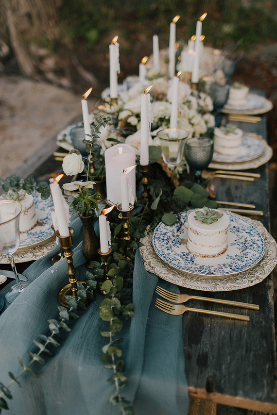 Beautiful vintage detailing -  http://www.100layercake.com