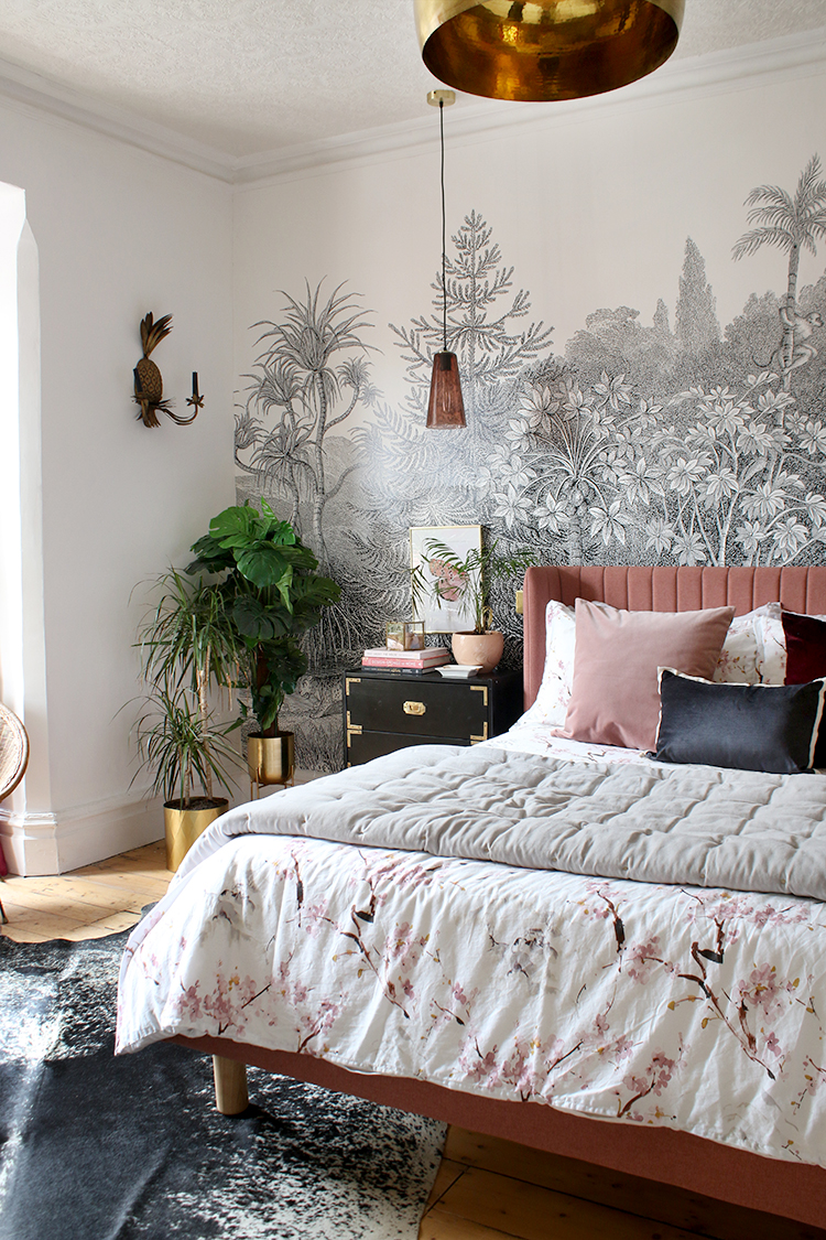 The beautiful Coral bed by  www.swoonworthy.co.uk