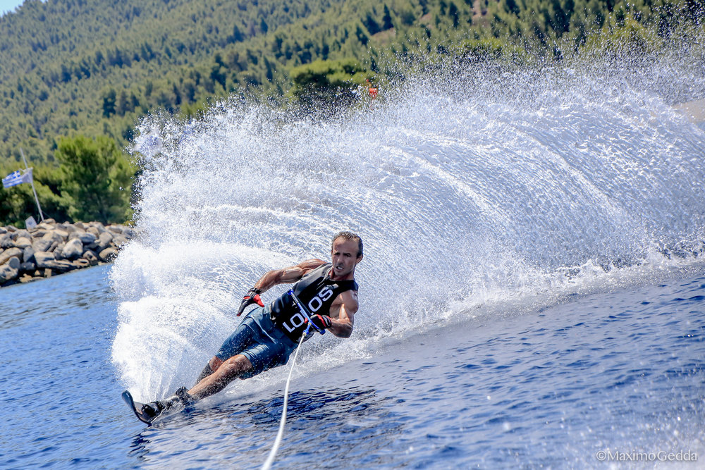 Mono Waterski - Stay committed and start spraying