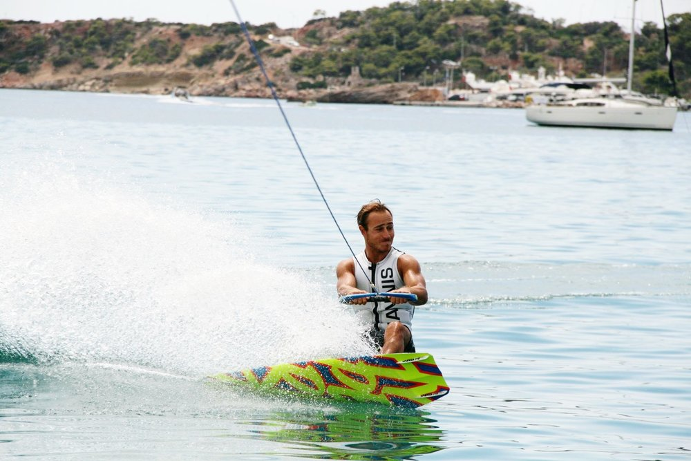 Wakeboard - Good things come to those who wake