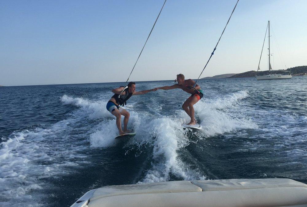 Double Wakesurf -