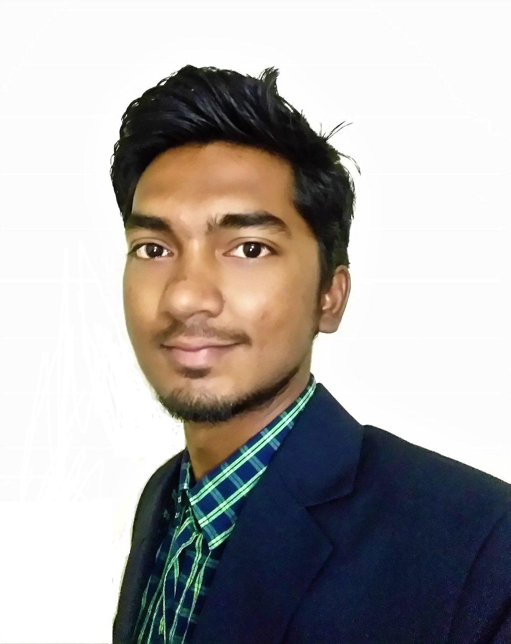 Headshot_Naveen.jpg