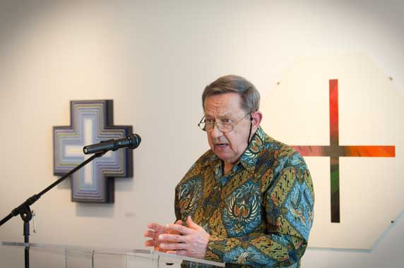 Dr. Calvin Seerveld at the dedication of the Seerveld Gallery
