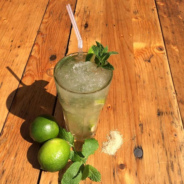 Happy hour from Thursday to Saturday 5pm to 7pm 2×1 any drinks in deptford. . . @happyhourtr #mojito @mojitocatering @breakfastlondon @deptfordcomchoir #deptfordmarket #deptfordbridge @greenwichmarket @royal_greenwich @lewishamse @fourpure @drury_uk @heapssausages