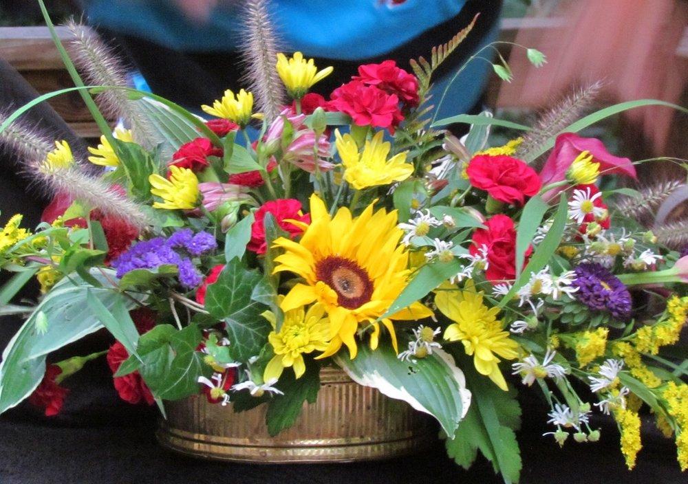 floral arrange.JPG