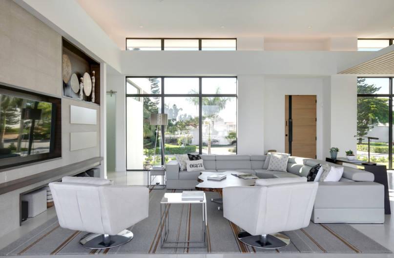 livingroomcon.jpg