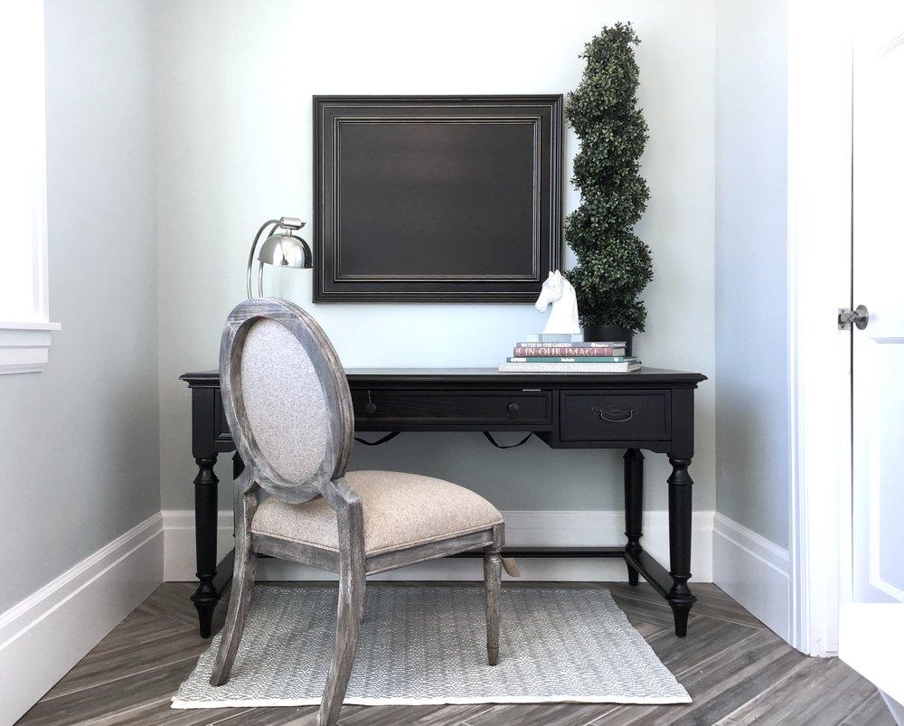 HV desk 2.jpg