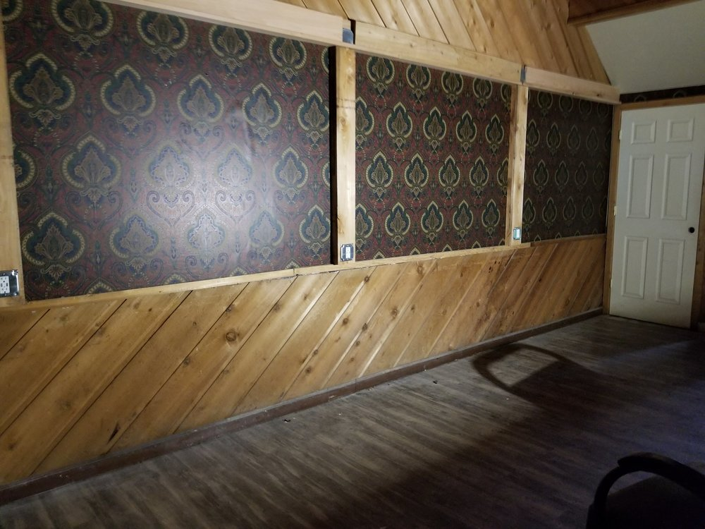 Commercial Maintenance and custom carpentry - We have the professional skills you need when your business needs repairs! We do all interior maintenance and can build bars, menu boards, and signs.