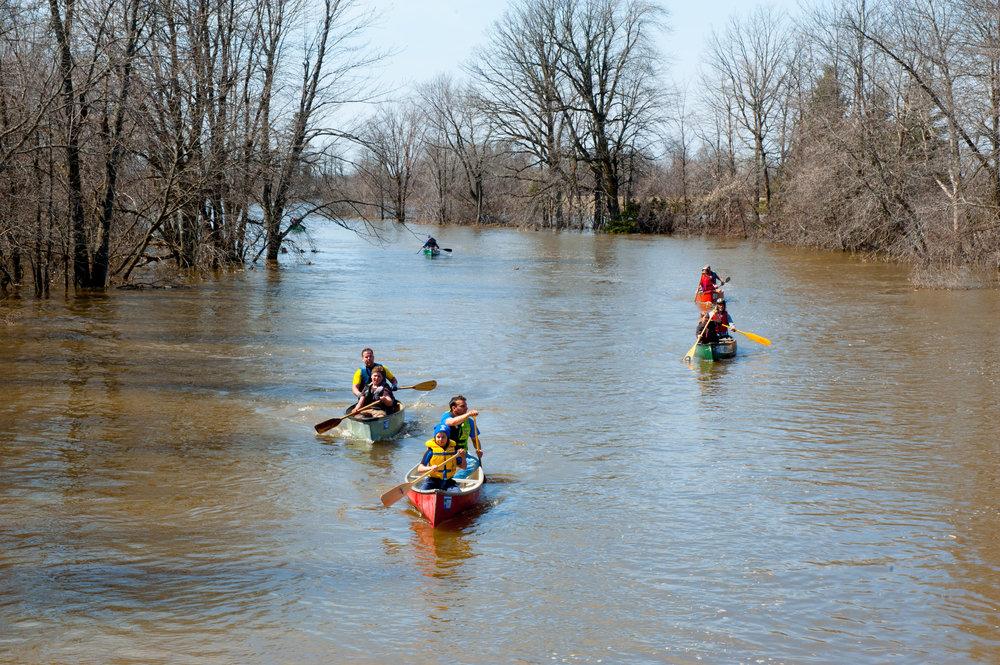SG-Raisin River Canoe Race-3.jpg