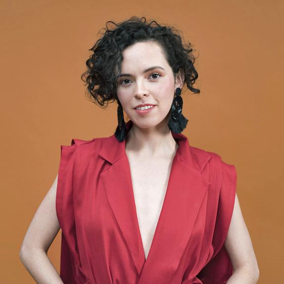 Anna GómezCEO,Co-fundadora & Directora Creativa. - Diseñadora de Moda egresada de Centro de Diseño, Cine y Televisión. Especializada en Comunicación de Moda,ha trabajado con distintas marcas nacionales e internacionales.