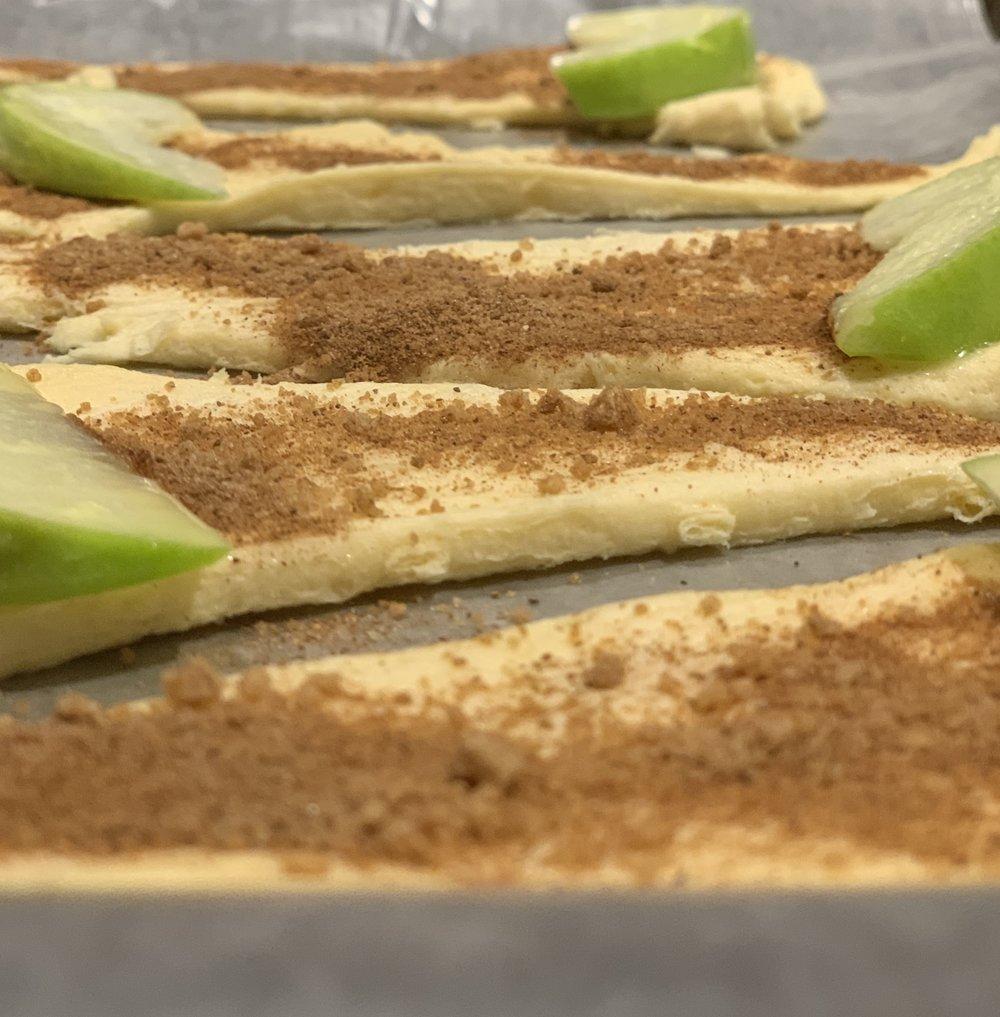 Apple Pie Bites. #applepie #appledesserts #desserts #pierecipe